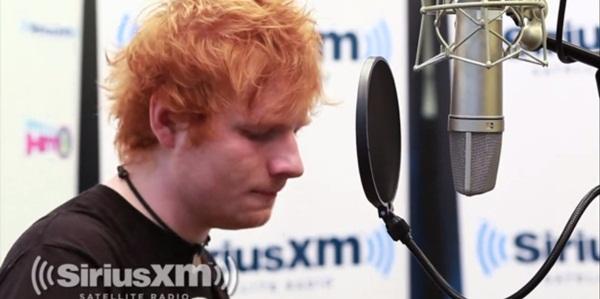 Ed Sheeran canta We Found Love al Rihannei (video)