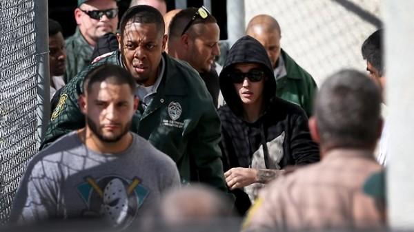 Justin Bieber a fost arestat pentru droguri, alcool si permis expirat thumbnail_php-4