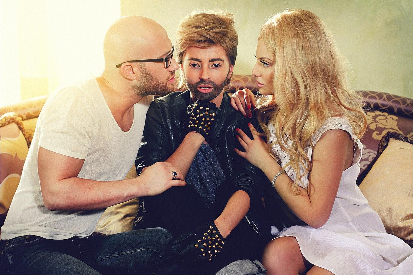 Delia feat Mihai Bendeac – Doi in unu (videoclip nou)