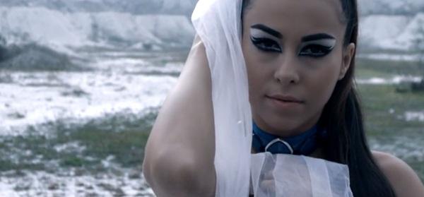 Liviu Hodor & Mona - Unde-i dragostea (Official Video HD)