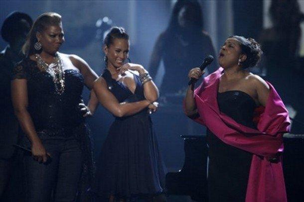 Castigatori & inregistrari American Music Awards 2008 Queen Latifah And Alicia Keys
