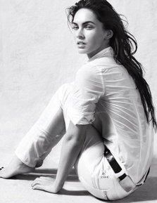 Poza zilei: Megan Fox, imaginea Armani