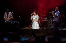 Recenzie + poze concert Nouvelle Vague @ Bucuresti
