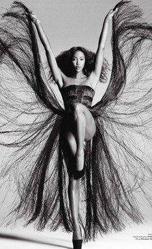 Naomi Campbell in rol de Tina Turner