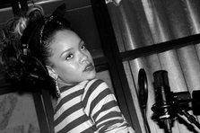 Cum a facut Rihanna albumul Talk That Talk? (video)