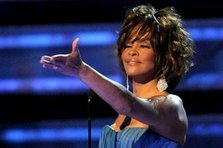 Vanzarile lui Whitney Houston au crescut cu 10 000 la suta!