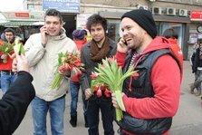 Europa FM a scos artistii romani pe strada!