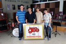 Cine a batut recordul cu peste 200 de piese in Billboard?