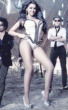 Ce va purta Elena de la Mandinga la Eurovision 2012?