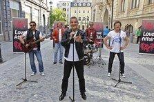 Holograf a ocupat o strada din Bucuresti pentru noul videoclip