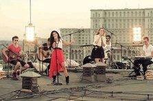 Inna a cantat OK pe un acoperis din Bucuresti