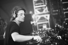 Remember: Axwell - Feel The Vibe