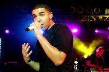 Drake anunta turneul european - 19 concerte!