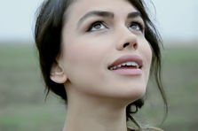 Emmah Toris - Ne intamplam (premiera videoclip, proiect nou)