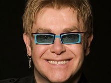 La multi ani, Elton John!