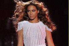 Beyonce a inceput turneul Mrs Carter World Tour (poze, video)