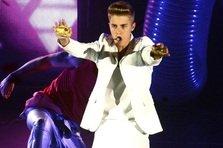 Justin Bieber - All Around the World (videoclip)