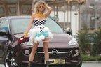 Opel ADAM a furat mireasa la prezentarea Ritei Muresan