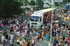 Liberty Parade 2013 a adunat peste 50.000 de participanti (tracklist, foto, video)