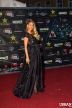 Romanian Music Awards 2013: Covorul Rosu - Bine / Prost imbracati