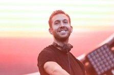 Cine canta la MTV EMA 2014?