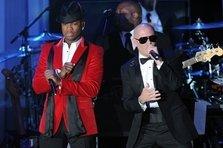 Pitbull feat. Ne-Yo - Time of Our Lives (live@Kimmel)