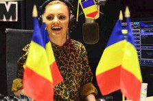 Alexandra Stan canta imnul Romaniei LIVE!