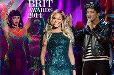 Brit Awards 2014: cele mai tari showuri (video)