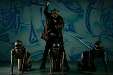 Les Elephants Bizarres feat Deliric - In Culori (videoclip)