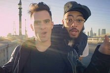 Travie McCoy feat Brendon Urie - Keep On Keeping On (videoclip)