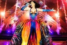 Katy Perry sparge un record de vanzari