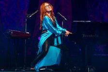 Tori Amos a alungat ploaia cu un show legendar in Bucuresti