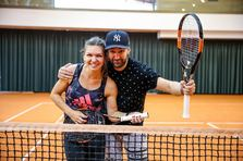 Smiley a luat lectii de tenis de la Simona Halep!