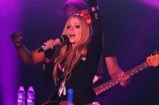 Avril Lavigne - Fly (videoclip nou)