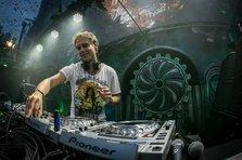Armin van Buuren a remixat tema muzicala din Game Of Thrones