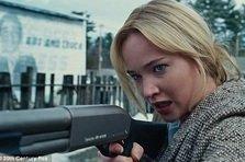 JOY - Jennifer Lawrence face iar echipa cu Bradley Cooper