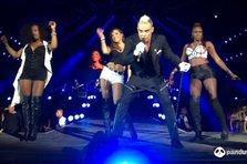 Vezi integral concertul lui Robbie Williams! Cum a fost la concertul anului (VIDEO, FOTO)