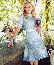 Reese Witherspoon le face cadouri fanilor