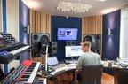 3 productii romanesti pe compilatia ASOT Year Mix 2016 a lui Armin van Buuren
