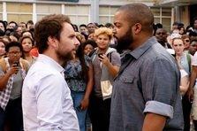 Fist Fight - sau ce se intampla cand profesorii o iau razna...