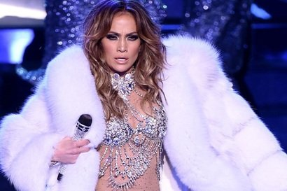 Jennifer Lopez isi prelungeste rezidenta la Las Vegas