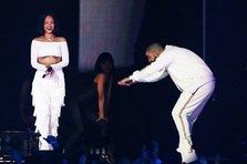Rihanna & Drake - Work (live@Brit Awards)