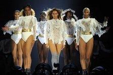 Beyonce a inceput turneul Formation cu stil