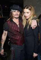 Amber Heard si Johnny Depp divorteaza