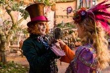 Actori de Oscar dau viata excentricelor din Alice In Tara Oglinzilor