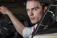 Nicholas Hoult si Felicity Jones in COLLIDE