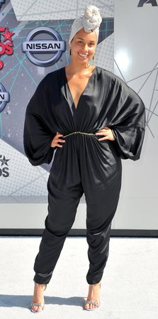 Indrazneala si stralucire la BET Awards 2016