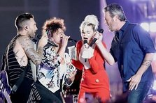 Adam Levine, Miley Cyrus si Alicia Keys fac un super cover dupa Aerosmith (video)