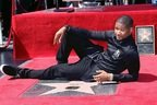 Usher a primit o stea pe Hollywood Walk of Fame