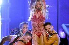 Cum suna Toxic de la Britney Spears in original?